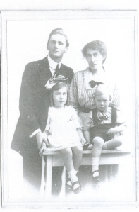 William Archer Garland & Maria Grey Hampton with Aunty Gwen and Clem