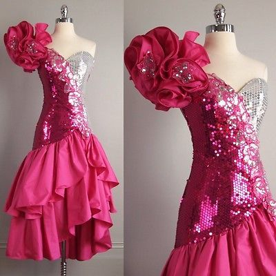 a2985a9d78c2920e45ba2cabcc088af8--s-prom-dresses-royal-blue-prom-dresses.jpg
