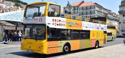 yellow-bus-lisbon-tour